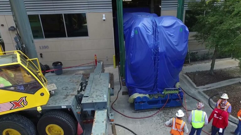Maxim Crane sets Wartsilla Generator