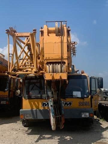 225 ton Liebherr All Terrain Crane Front