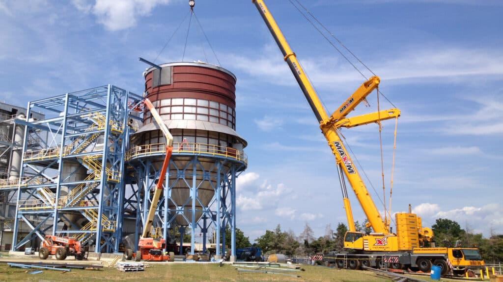 All-terrain crane, silo construction